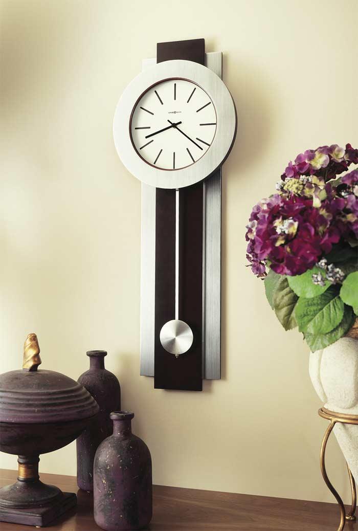 bergen bergen in room setting - Howard Miller Wall Clock